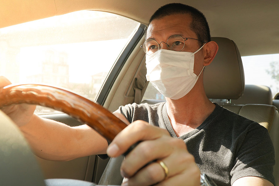 Essential Items to Keep in Your Car During a Pandemic