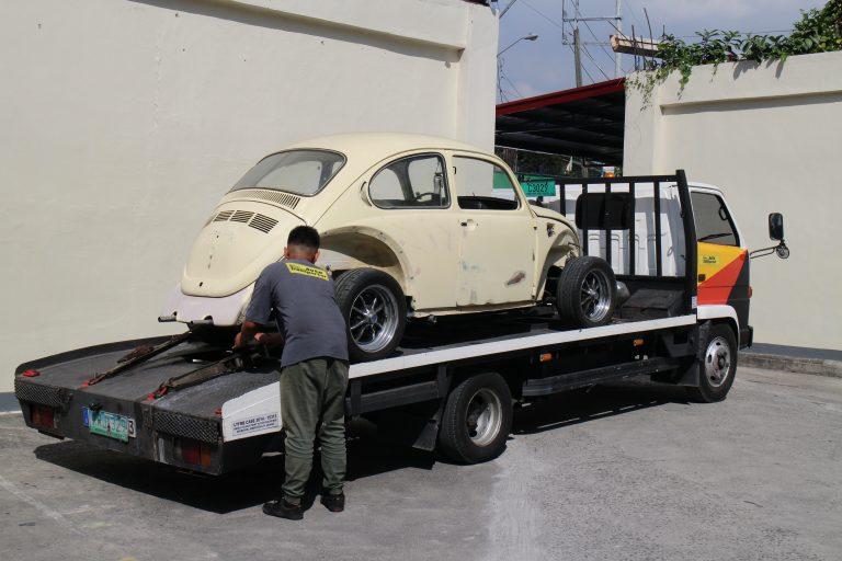 The Beetle being unloaded at the JSK Customs workshop in Valenzuela City.