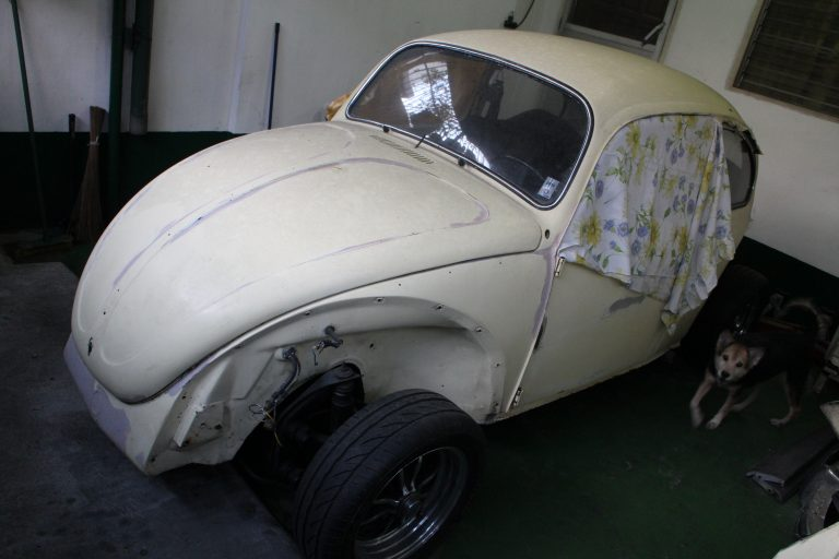 Fons' 1973 VW Beetle 1600 lays unfinished…